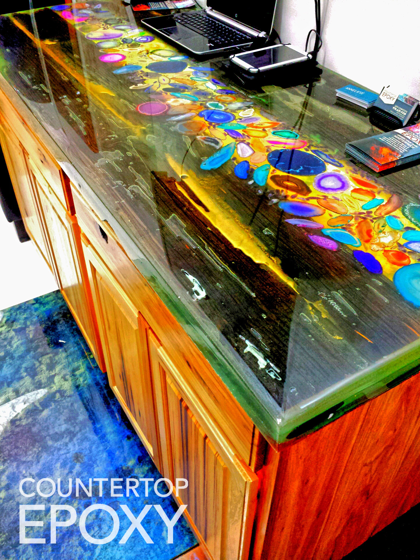 FX Poxy countertop epoxy over old wood and polished stone agates with led light backing